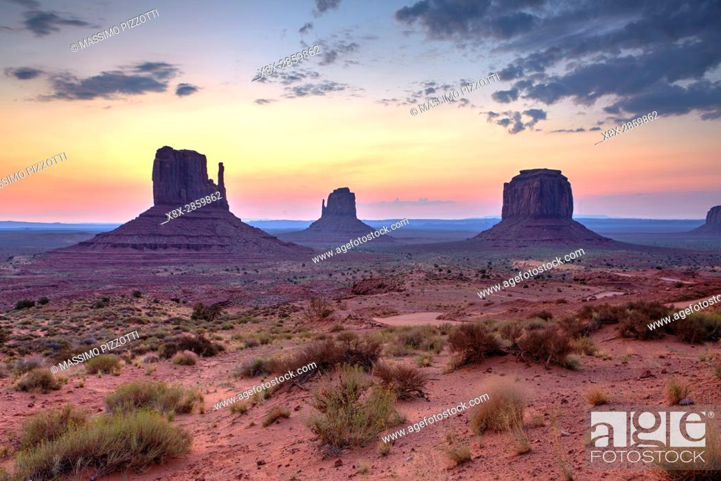 Imagen: Buttes of Monument Valley at sunrise, Arizona, United States.