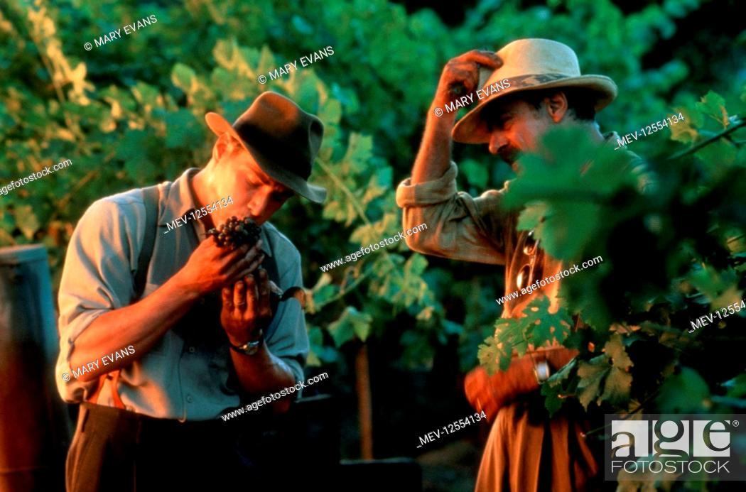 Stock Photo: Keanu Reeves & Giancarlo Giannini Characters: Paul Sutton & Alberto Aragon Film: A Walk In The Clouds (1995) Director: Alfonso Arau 27 May 1995.