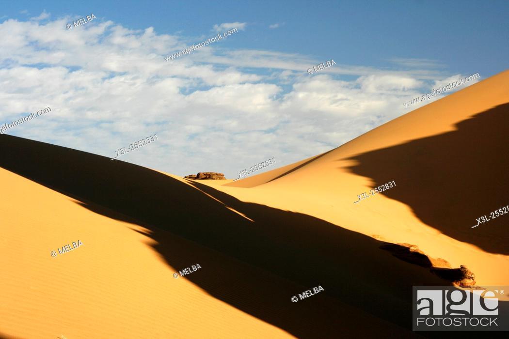 Stock Photo: Oued Tin Tarabine. Tassili Ahaggar. Sahara desert. Algeria.