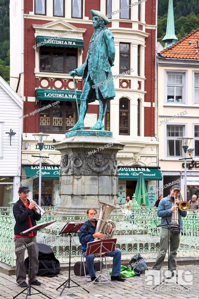 Stock Photo: Musicians in Vagsallm Square, Bergen, Hordaland District, Norway, Scandinavia, Europe.
