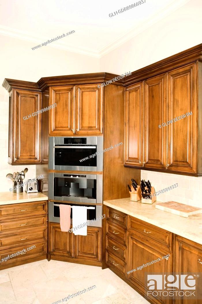 Imagen: Interiors of a domestic kitchen.