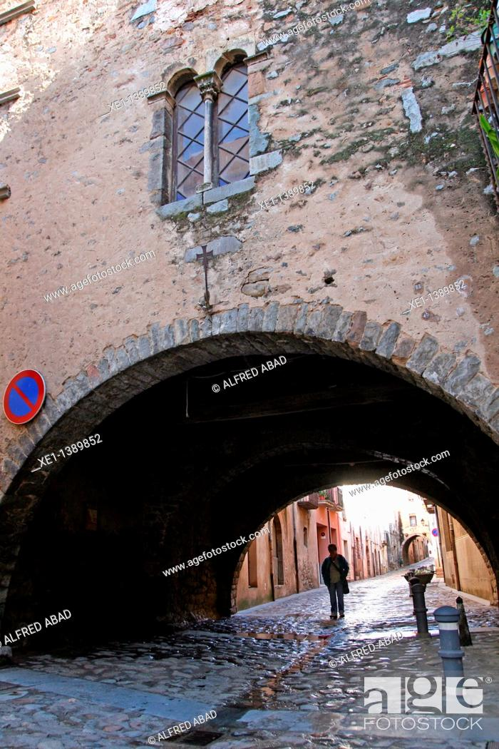 Stock Photo: arch, Gothic window, Angles, Girona,.