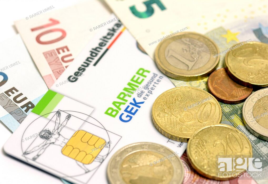 Imagen: GERMANY, BONN, 06.08.2014, DEU , GERMANY : Euro coins and notes with a German health care card of Barmer GEK insurance company - Bonn, Northrhine-, Germany.