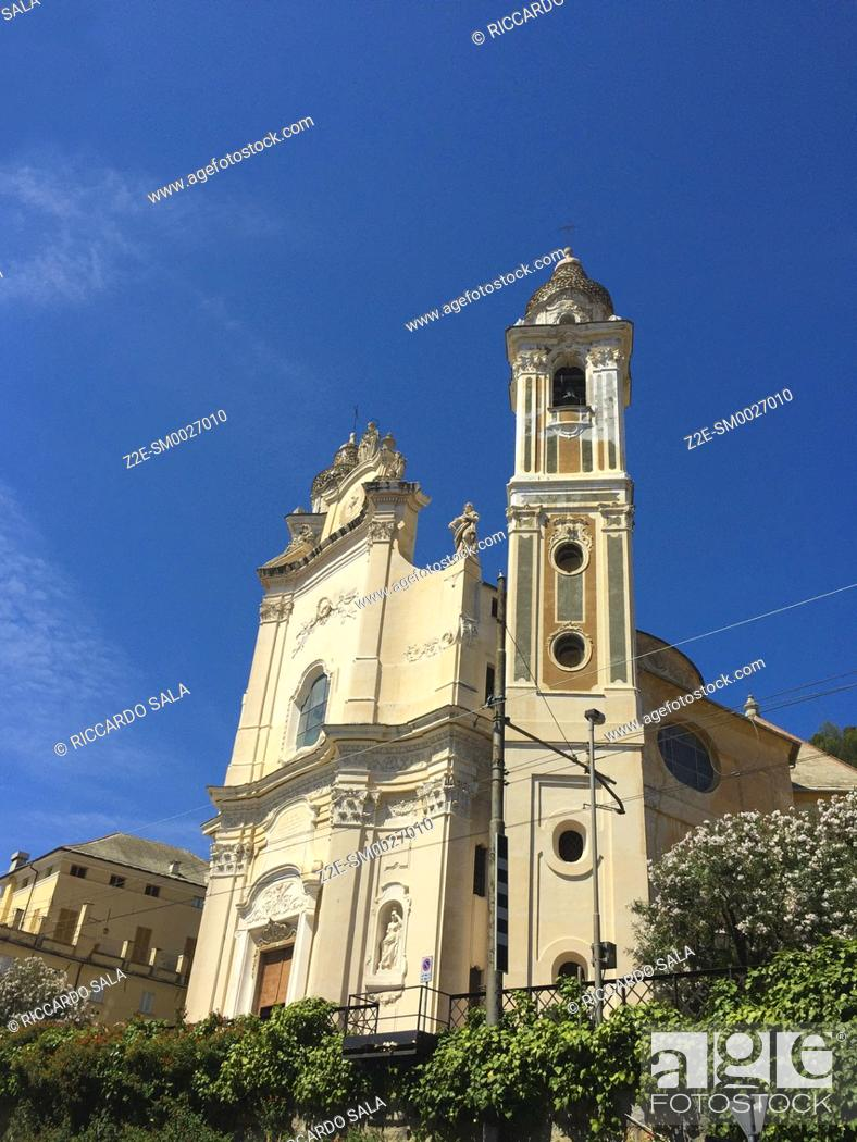 Stock Photo: Italy, Liguria, Laigueglia, San Matteo Church. . . .