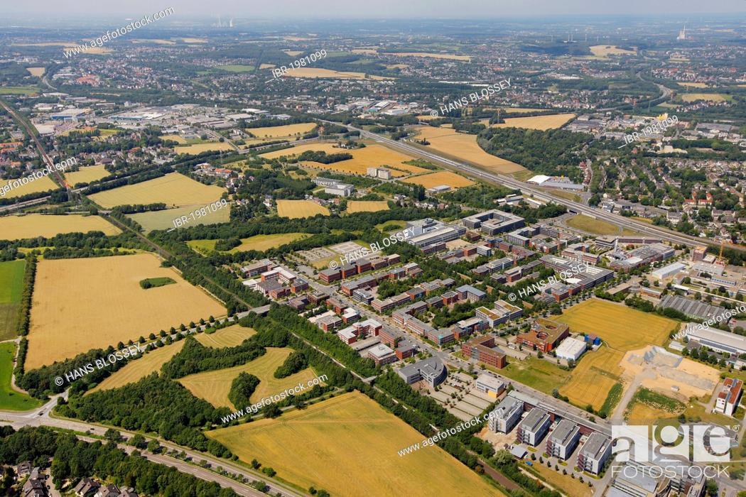 Imagen: Aerial view, TechnologiePark, technology park, building plots along the Brennaborstrasse street, University of Dortmund, Autobahn, motorway, A45, A40.