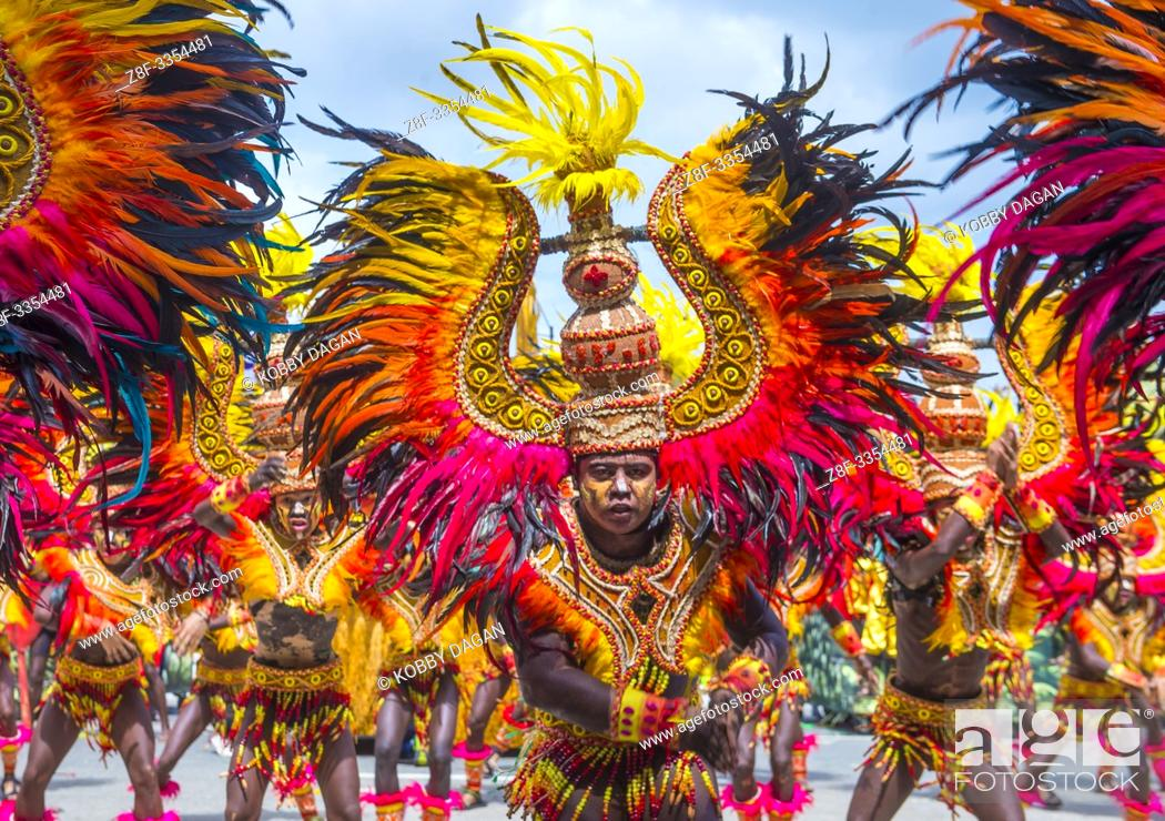 Imagen: Participants in the Dinagyang Festival in Iloilo Philippines.