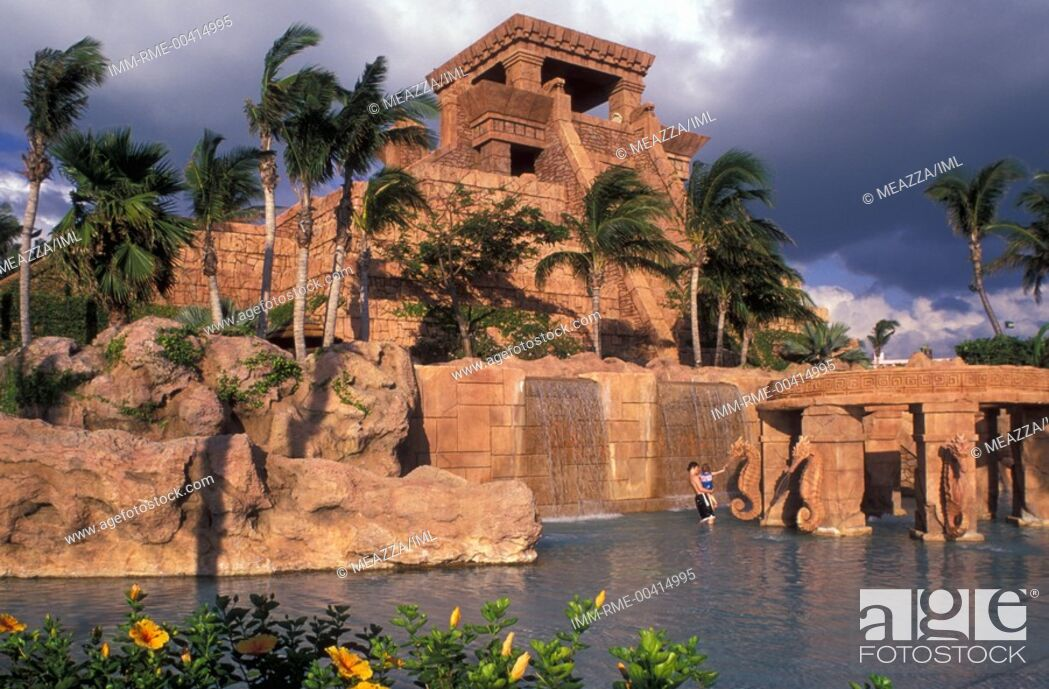 Imagen: Nassau, Atlantis Hotel, beach  Bahamas, Caribbean, America.