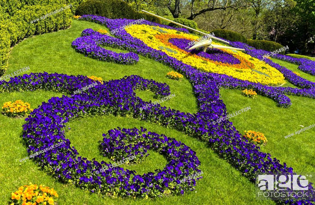 Flower Clock L Horloge Fleurie At The Park Jardin Anglais Geneva