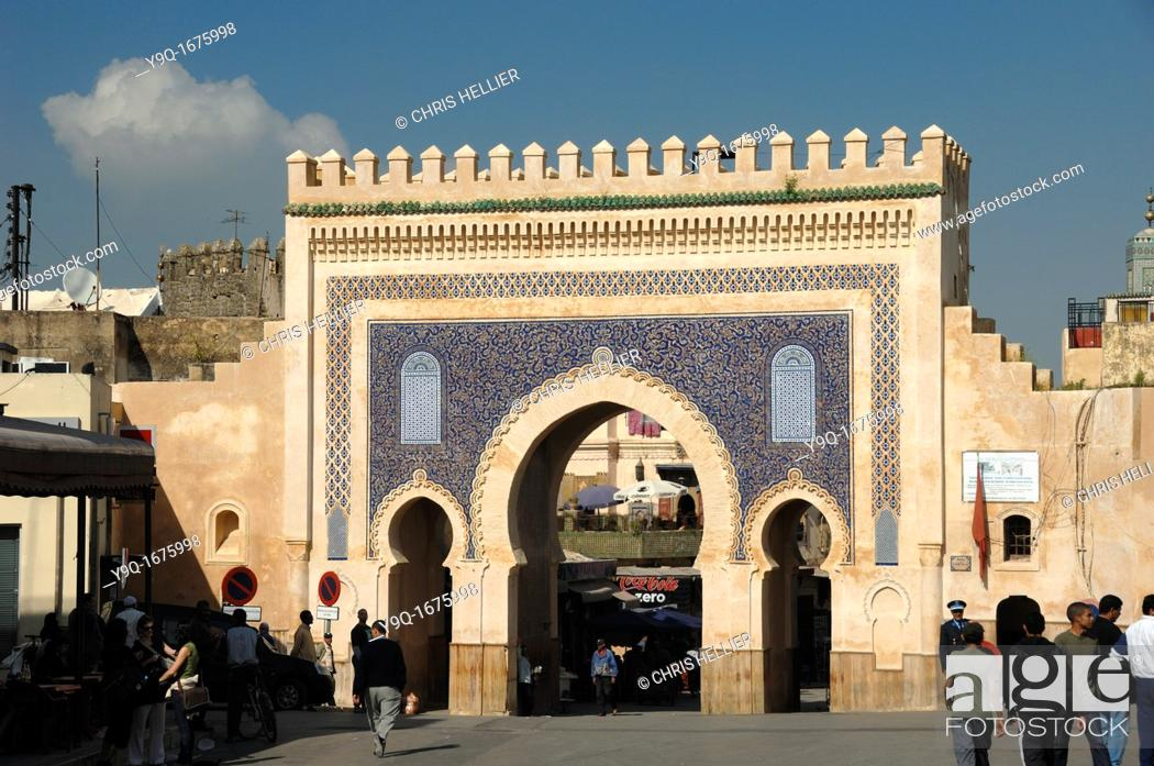 Imagen: Main Bab Bou Jeloud Town or City Gate to the Medina or Old Town Fez Morocco.