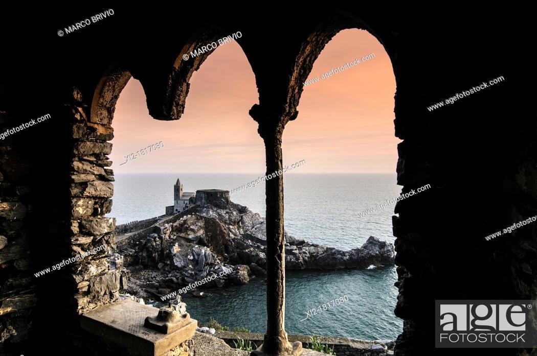 Photo de stock: Portovenere, La Spezia Province, UNESCO World Heritage Site, Liguria, Italian Riviera, Levante, Italy. The church of S. Pietro.