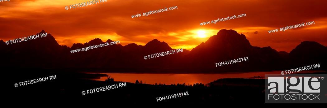 Stock Photo: Sunset at Jackson Lake and Grand Tetons, Grand Teton National Park, Wyoming.