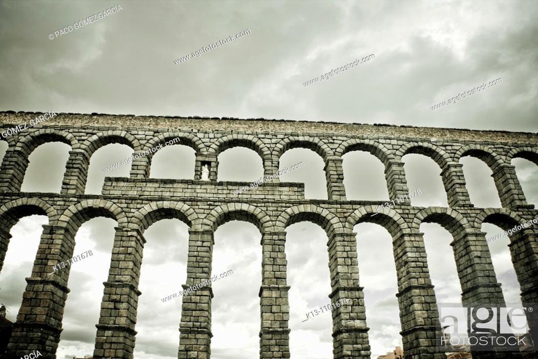 Imagen: Roman aqueduct, Segovia, Castille Spain.