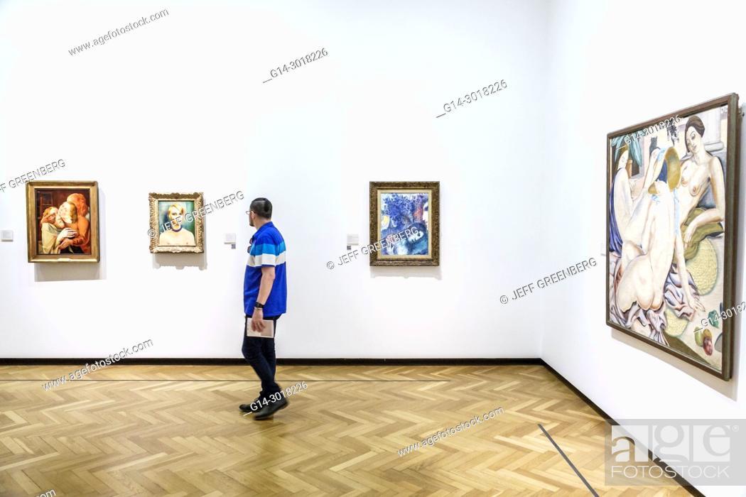 Imagen: Argentina, Buenos Aires, Museo Nacional de Bellas Artes National Museum of Fine Arts, interior, gallery, paintings, Hispanic, man, looking.