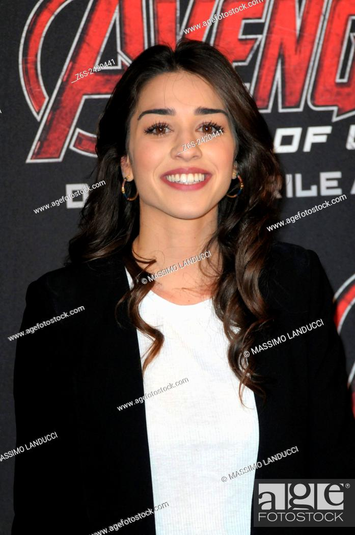 Imagen: simona tabasco; tabasco; actress ; celebrities; 2015;rome; italy;event; red carpet ; avengers, age of ultron.