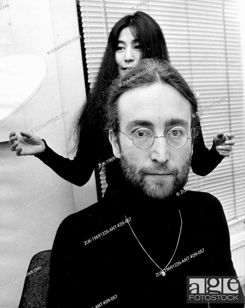Dec 26 1969 London England U K Singer And Songwriter John Lennon 1940 1980 Member Of The Stock Photo Picture And Rights Managed Image Pic Zuk 19691226 Ant K09 057 Agefotostock