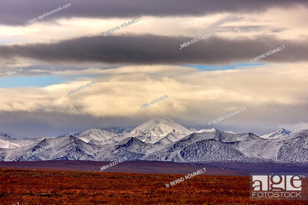Stock Photo: North America, the USA, Alaska, North Slope, arctic tundra, Brooks Range,.