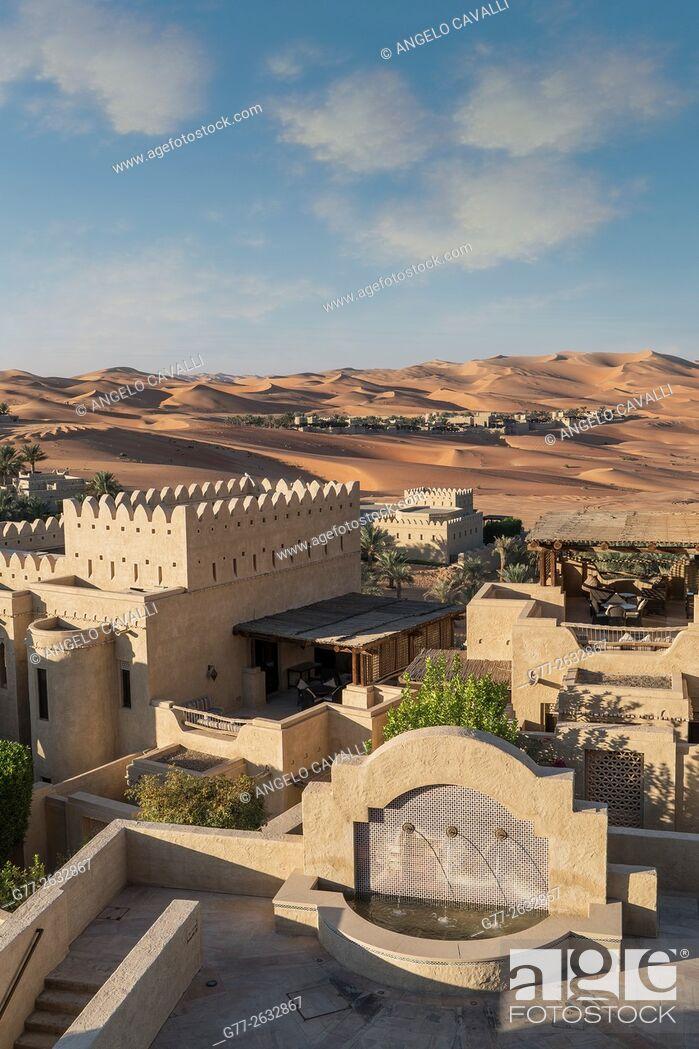 Stock Photo: The Luxury resort Qasr Al Sarab, of the Anantara group, empty quarter desert, Abu Dhabi, United Arab Emirates.