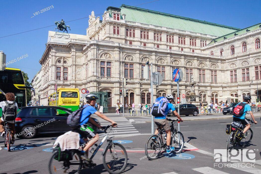 Imagen: Vienna State Opera building street scene. Vienna, Austria.