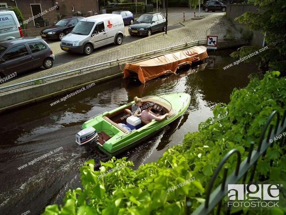 Imagen: Oude Beek, Hillegom, Bollenstreek, South Holland, The Netherlands, Holland, Europe.