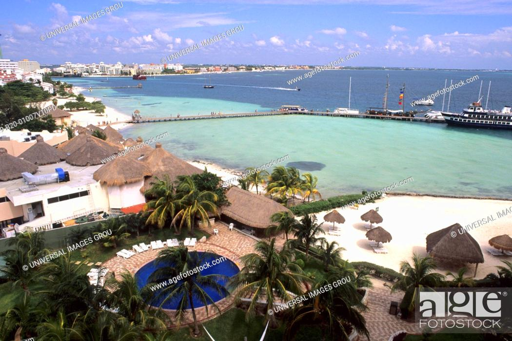 Stock Photo: Mexico, Cancun. Zone Hotels.