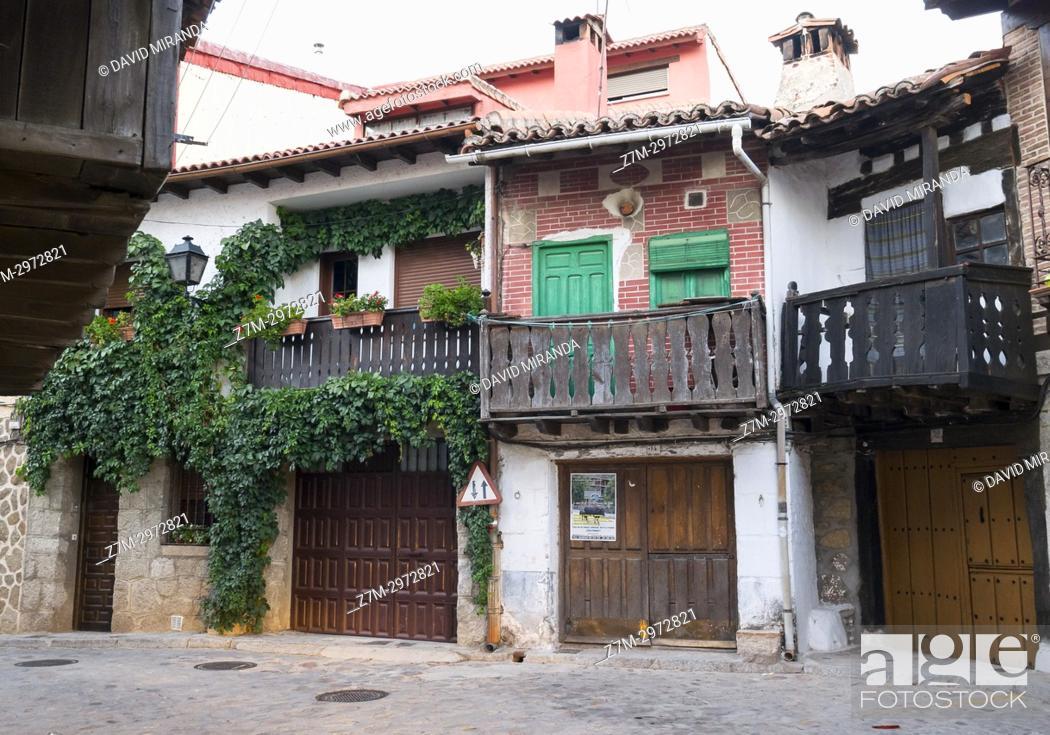Stock Photo: Popular architecture. Cuevas del Valle. Barranco de las cinco villas. Valle del Tiétar. Provincia de Ávila, Castile-Leon, Spain.
