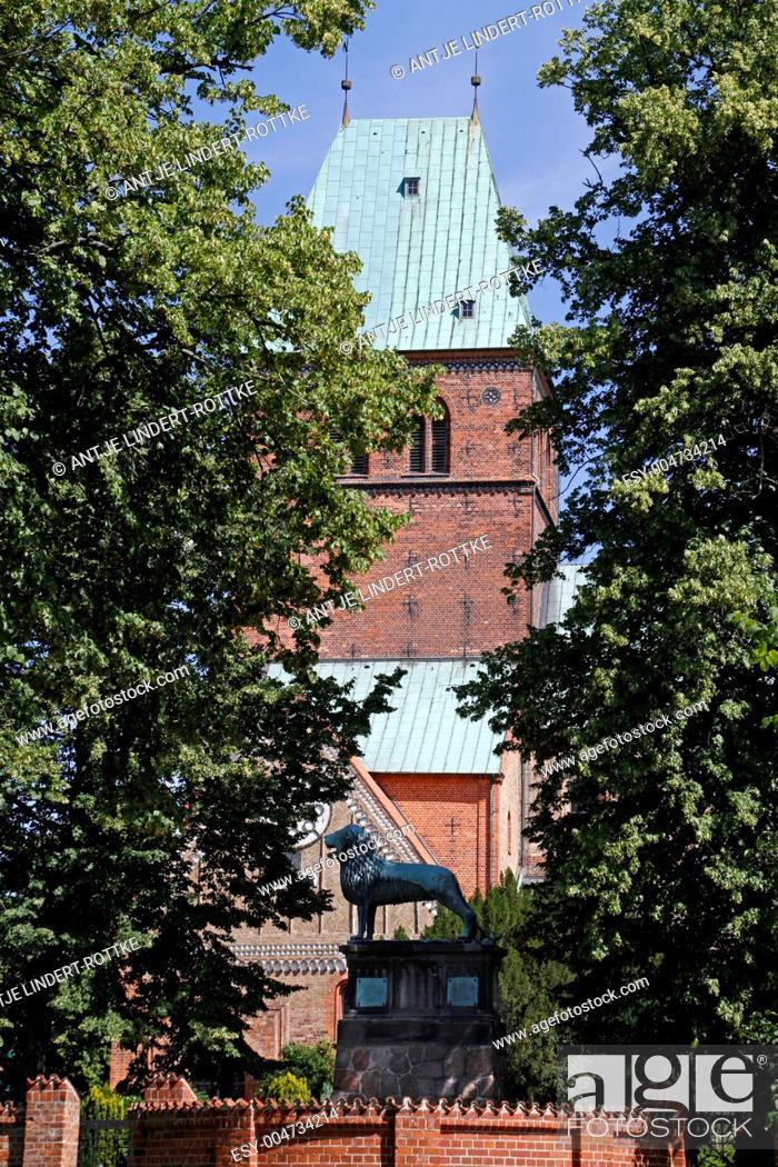 Stock Photo: Löwendom, Ratzeburg.