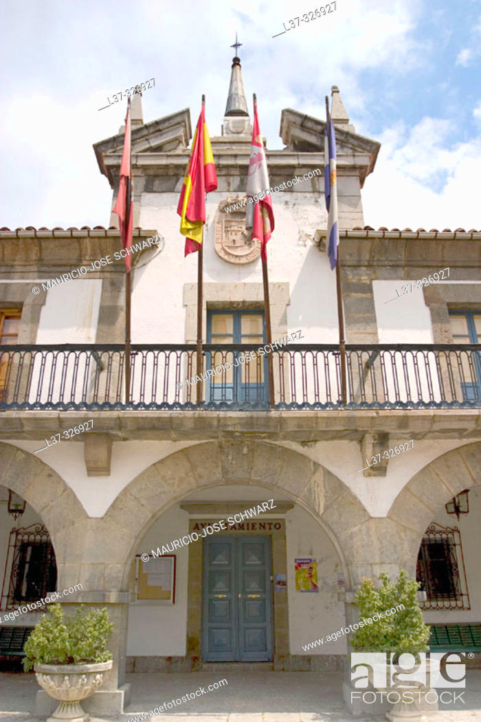 Stock Photo: Town Hall. Pola de Gordón. León provincia, Spain.