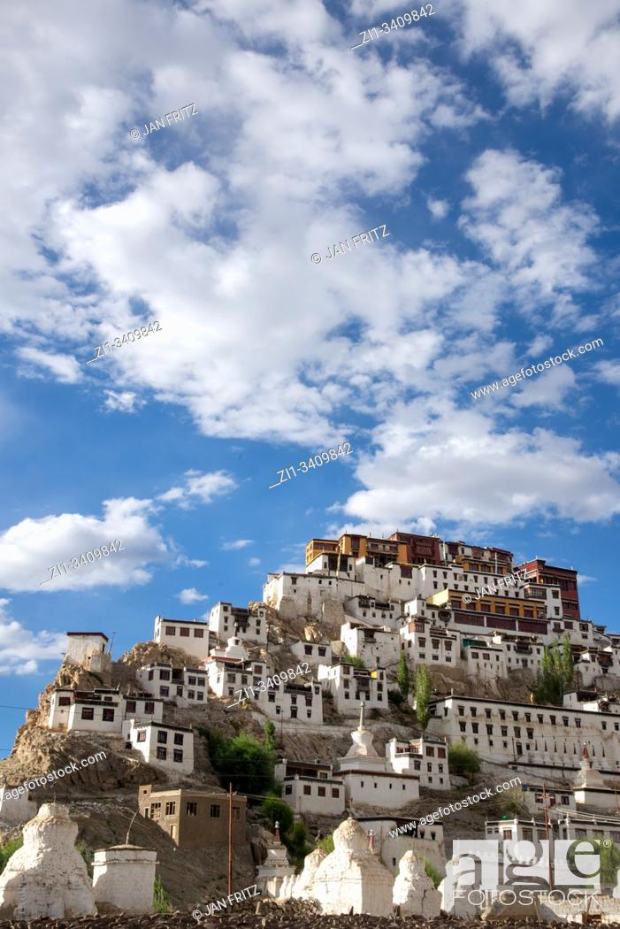 Imagen: view at Thiksey monastery in Ladakh, India.