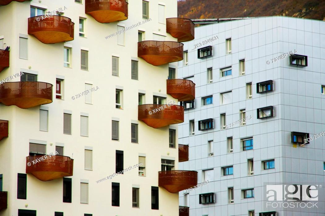 Stock Photo: Building in the neighborhood of Presque ile, Quai de la Graille, Grenoble, Isere, Dauphine, Rhone Alpes. Grenoble FRANCE.