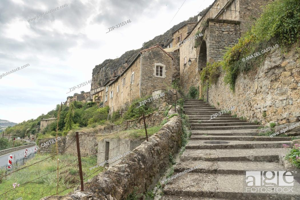 Imagen: Peyre, old village near Millau Aveyron, Midi-Pyrenees, France on September 23, 2020.
