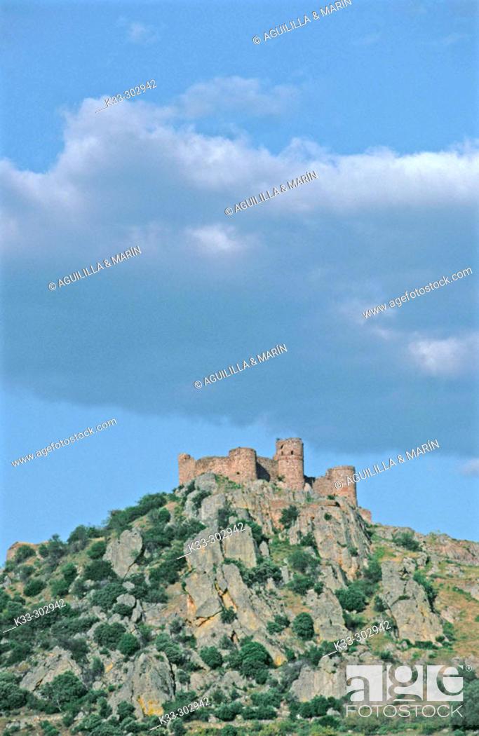 Stock Photo: Castle. Capilla. Badajoz province. Extremadura. Spain.