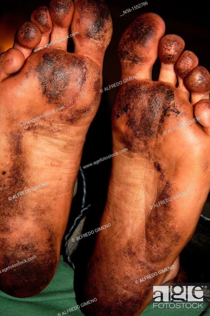 Stock Photo: Dirty feet.