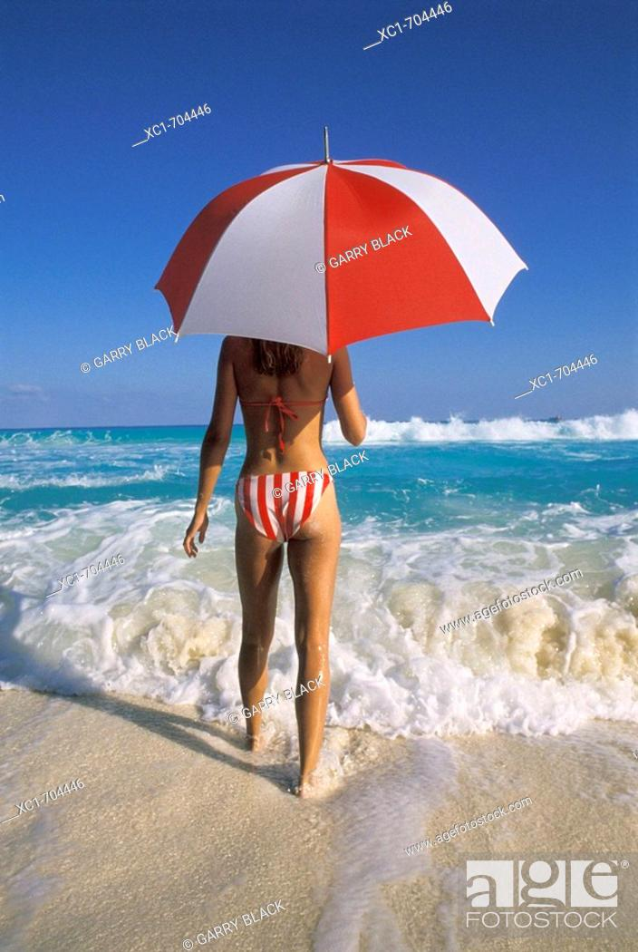 Stock Photo: Caribbean Sea, Cancun, Mexico.