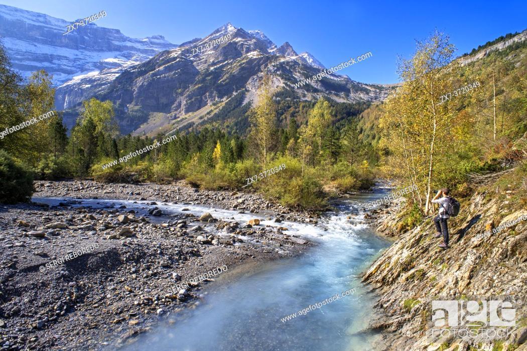Stock Photo: The Cirque de Gavarnie and the Gavarnie Falls / Grande Cascade de Gavarnie, highest waterfall of France in the Pyrenees. Hautes-Pyrenees, Gavarnie-Gèdre.
