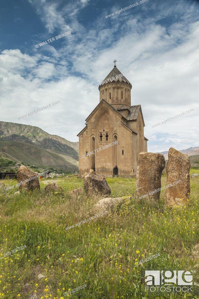 Imagen: Armenia, Areni, Surp Astvatsatsin Church, 14th century, exterior.