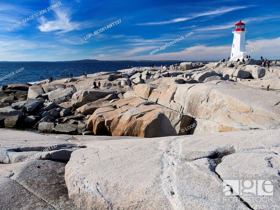 Imagen: The lighthouse at Peggy's Cove in Nova Scotia.