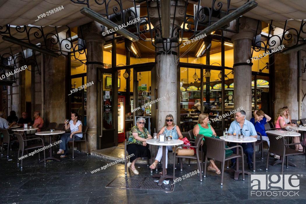 Terraza Del Bar Cristal Plaza De Espanya Palma Majorca