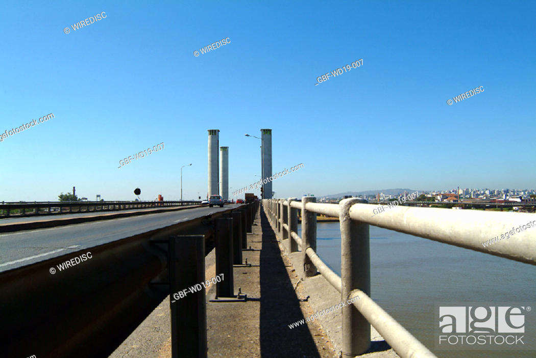 Stock Photo: Bridge, Rio Guaiba, Rio Grande do Sul, Brazil.