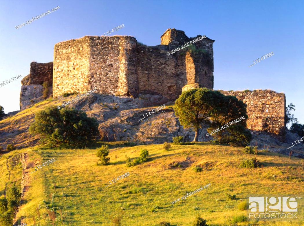 Stock Photo: Castillo de Alba, Zamora province, Castile-Leon, Spain.