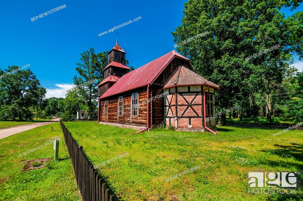 Imagen: Church of the Holy Heart of Jesus in Dzierzazno Male, village in Greater Poland voivodeship. Poland.