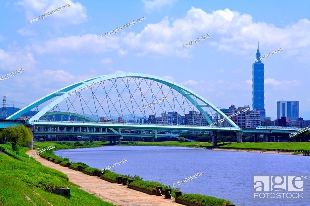 Stock Photo: Taiwan, Taipei, Taipei 101, MacArthur 2nd Bridge, Caihong Riverside Park.