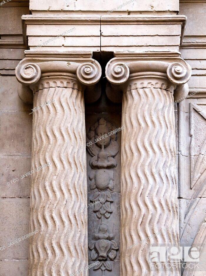 Stock Photo: Columnas y capiteles de estilo jónico con volutas en la portada de la iglesia de Santiago el Real - Logroño - La Rioja - España.