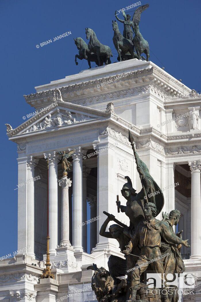 Stock Photo: The Altare della Patria - the Monumento Nazionale a Vittorio Emanuele II, Statues and Monument, Rome, Lazio, Italy.