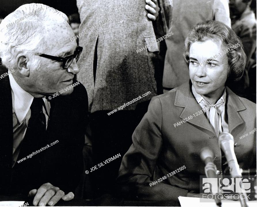Stock Photo: Judge Sandra Day O'Connor, right, of the Arizona Court of Appeals, United States President Ronald Reagan's nominee as Associate Justice of the Supreme Court to.