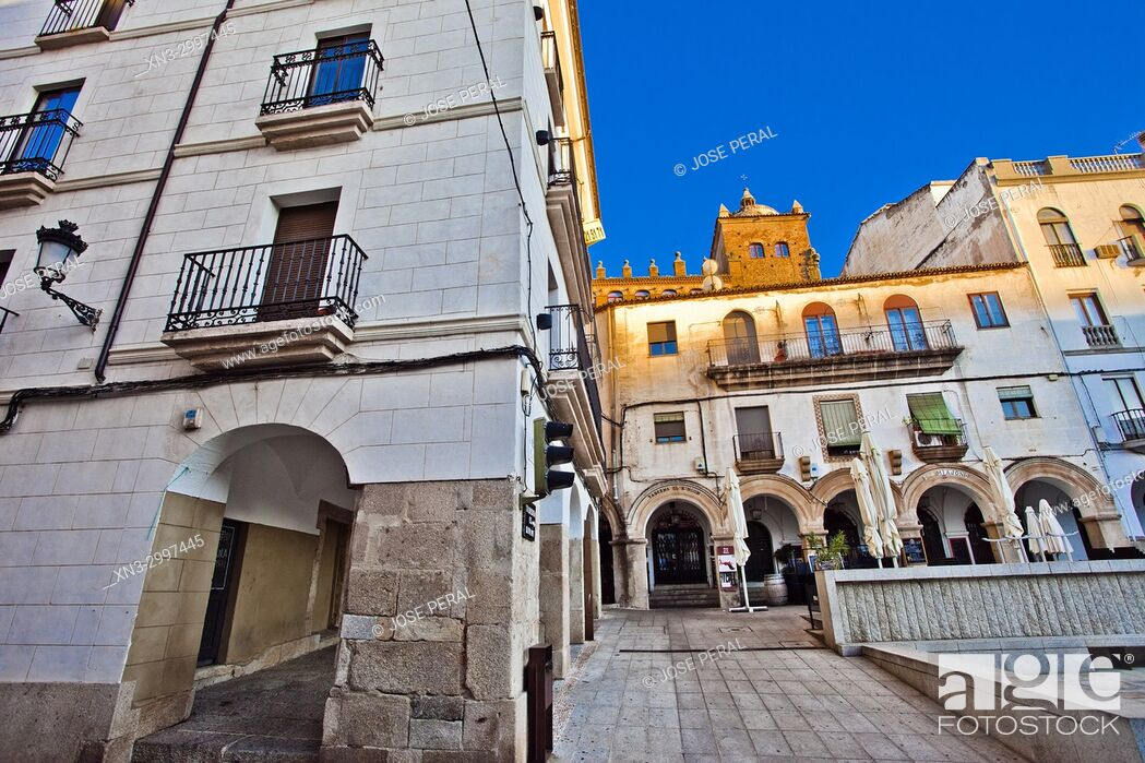 Imagen: Plaza Mayor, Old Town of Cáceres, medieval town, World Heritage City by UNESCO, Caceres City, Cáceres Province, Extremadura, Spain, Europe.