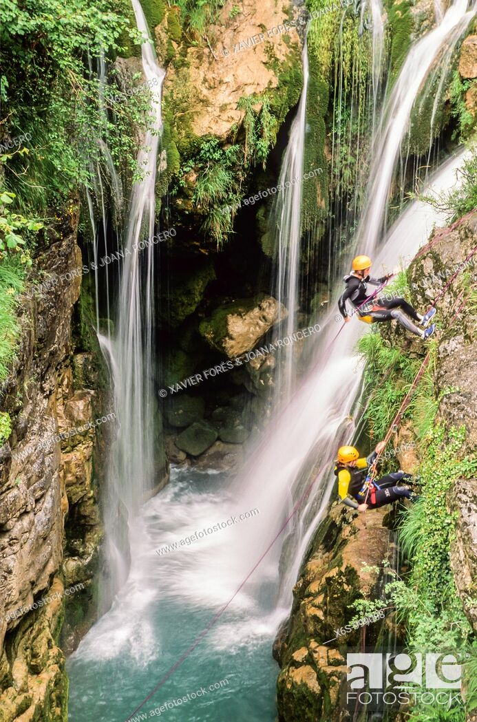 Stock Photo: Canyoning in Añisclo gorge, National Park of Ordesa and Monte Perdido, Huesca, Spain / Descenso de barrancos, Cañon de Añisclo.