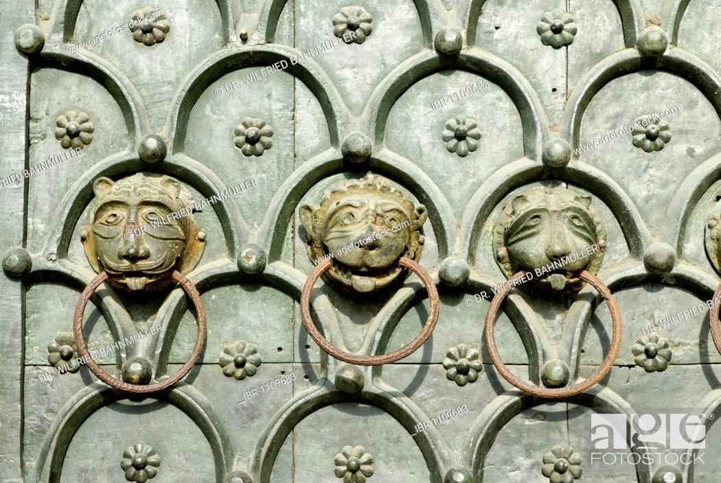 Photo de stock: Heads of a lion, doorknockers, main gate, Baiilica of Saint Mark, Venice, Venezia, Italy, Europe.