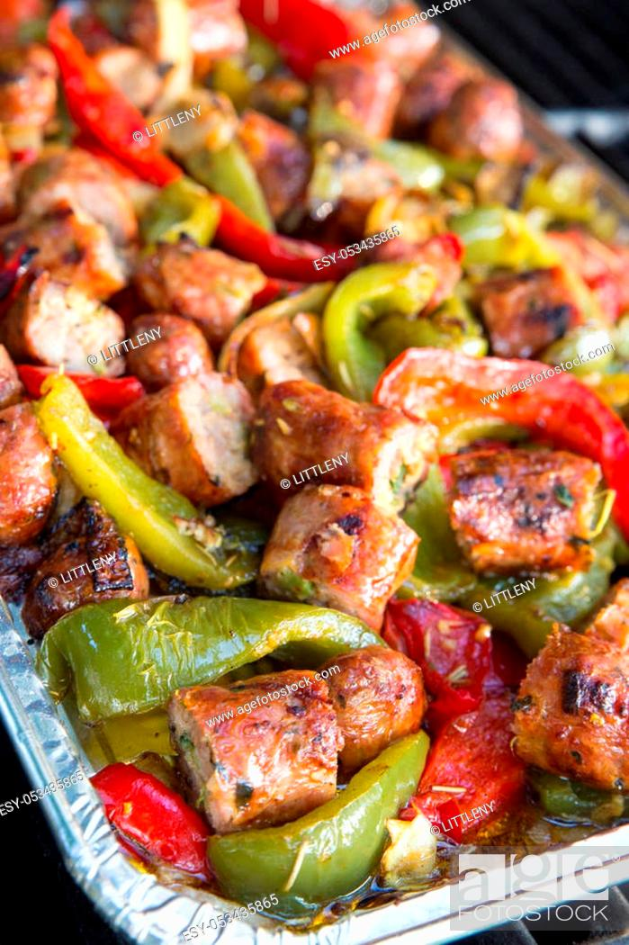 Imagen: Italian cuisine of sausage and peppers.