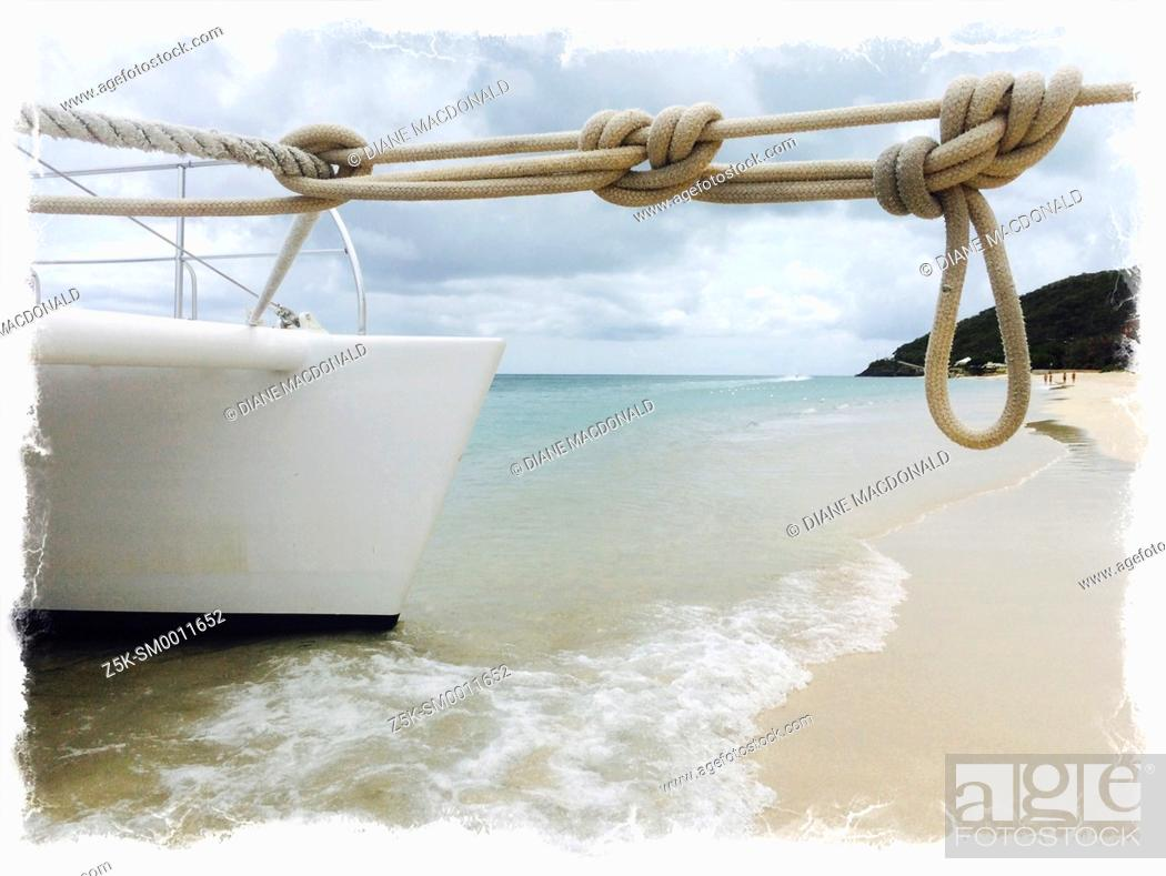 Imagen: A catamaran moored at Turner's Beach, Antigua, Antigua and Barbuda, Leeward Islands, West Indies in the Caribbean.