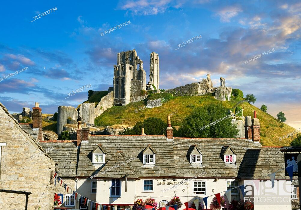 Stock Photo: Medieval Corfe castle keep & battlements at sunrise, built in 1086 by William the Conqueror, Dorset England.
